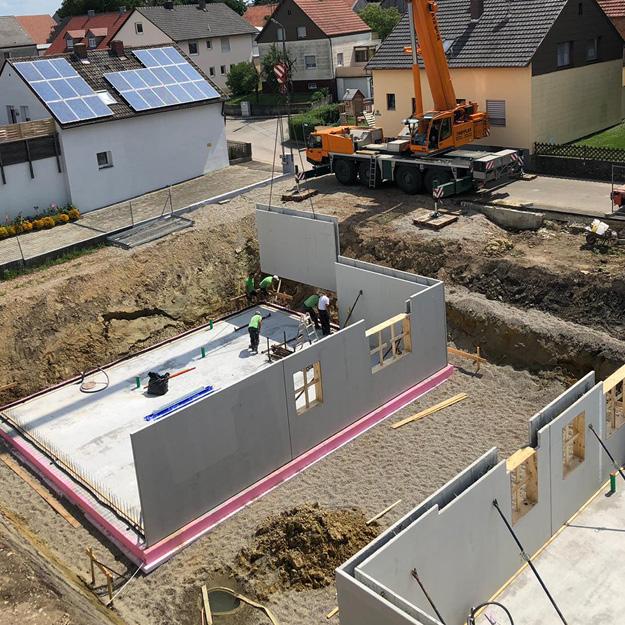 Kelleraußenwände von Neubauhäusern